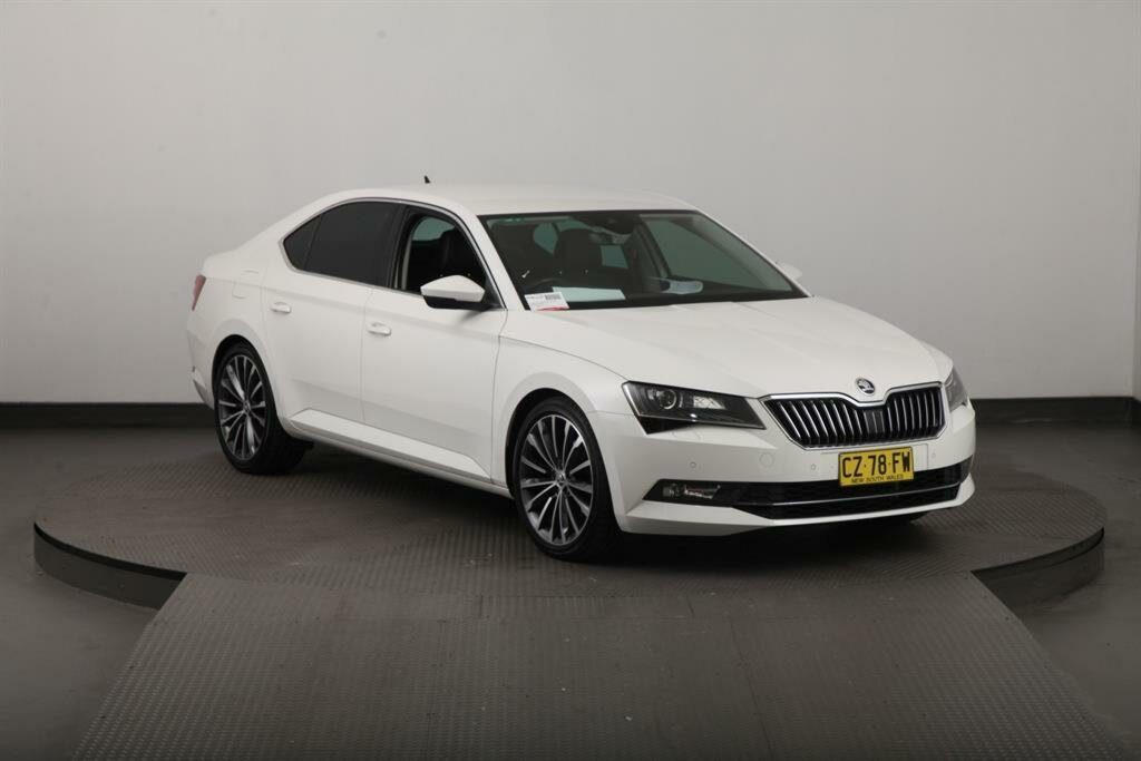 2017 ŠKODA Superb 162 TSI NP MY18