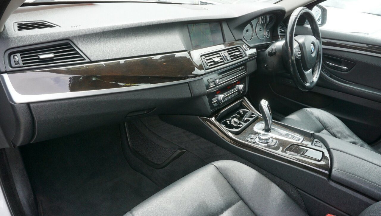 2011 BMW 5 Series 520d Steptronic F10 MY0911