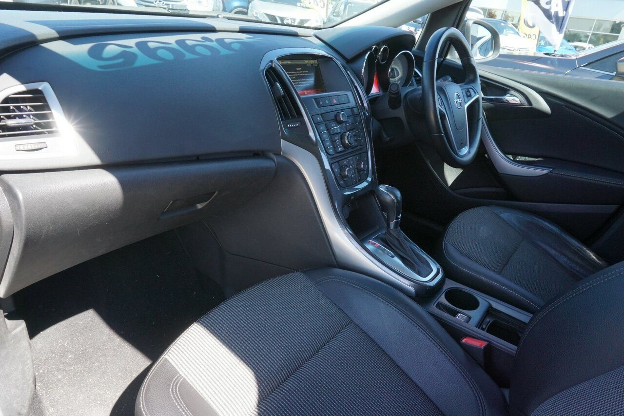 2012 Opel Astra Select AS