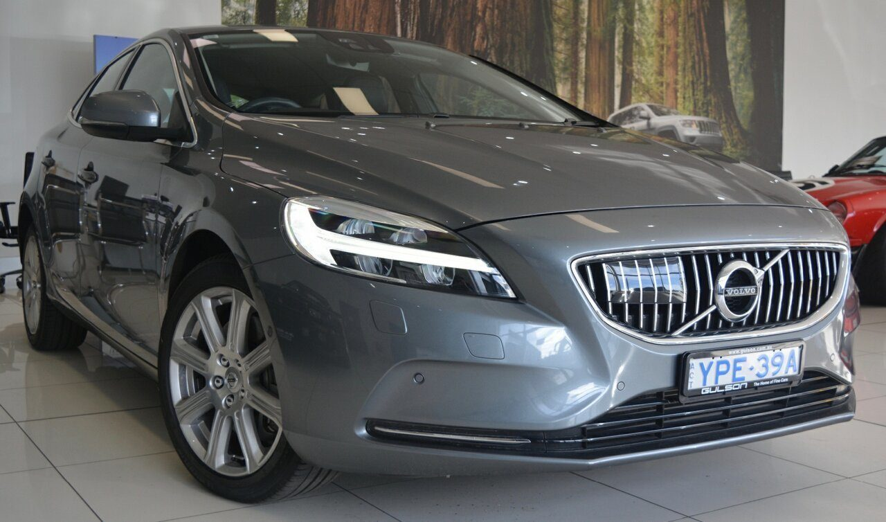 2017 Volvo V40 T4 Adap Geartronic Inscription M Series MY17