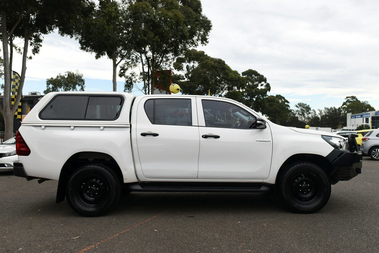 2015 Toyota Hilux Workmate Double Cab GUN125R