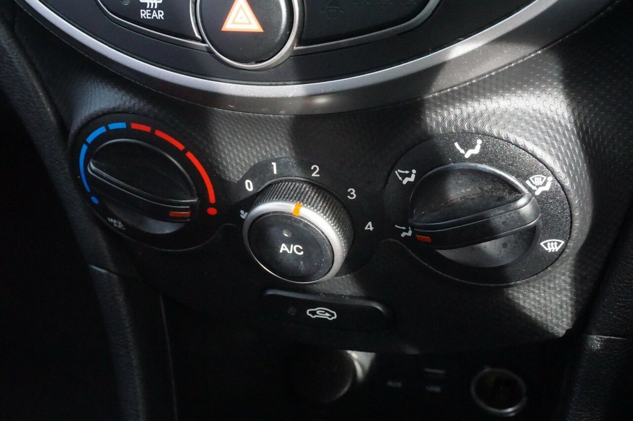 2016 Hyundai Accent Active RB3 MY16