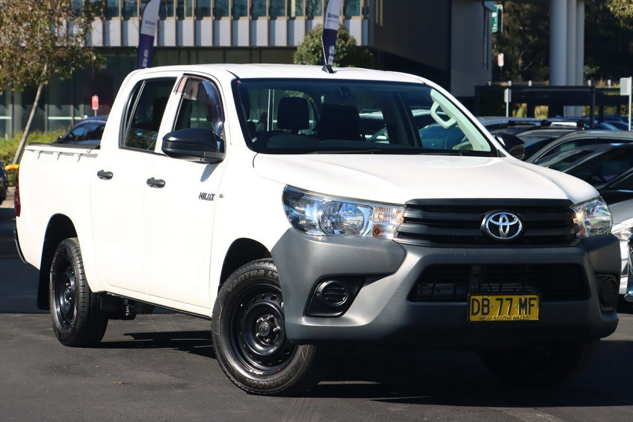 2017 Toyota Hilux Workmate Double Cab 4x2 TGN121R
