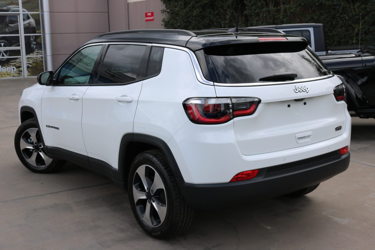 2021 Jeep Compass Launch Edition FWD M6 MY21
